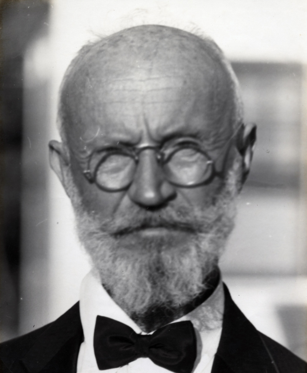 Carl Tanzler von Cosel (1877-1952)