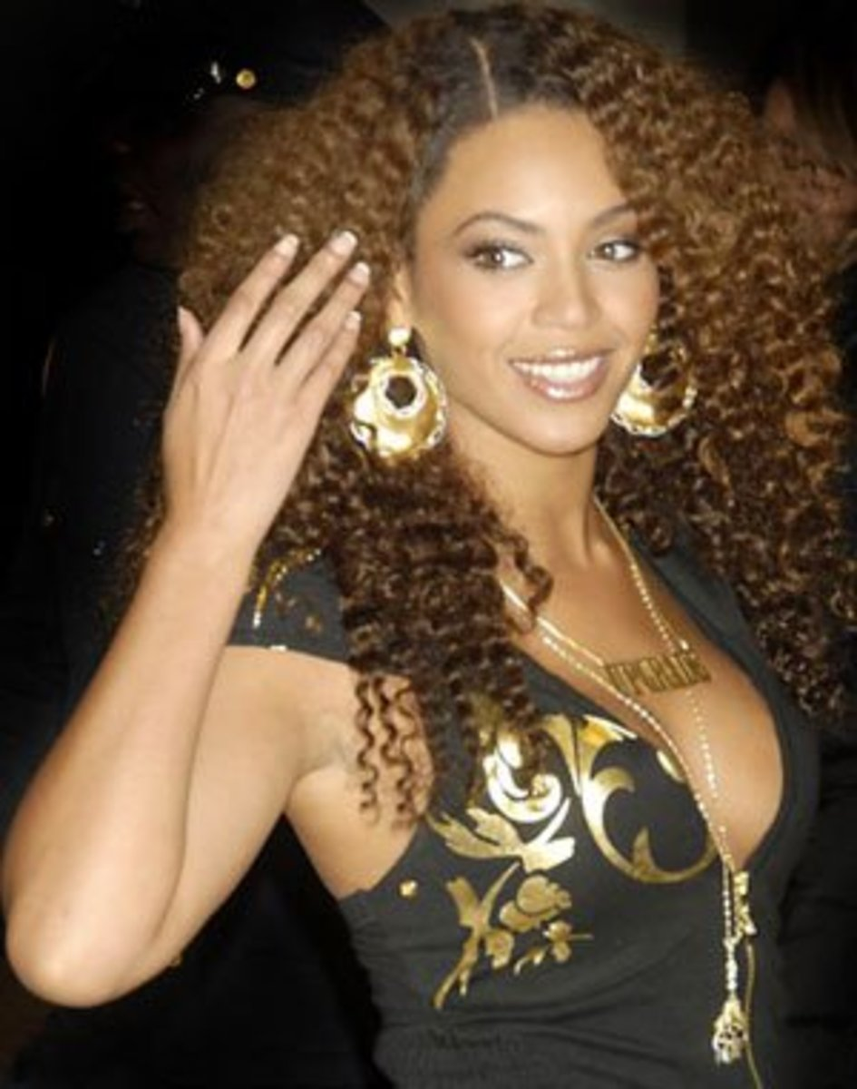 Beyonce Knowles:  Curly long hairstyle
