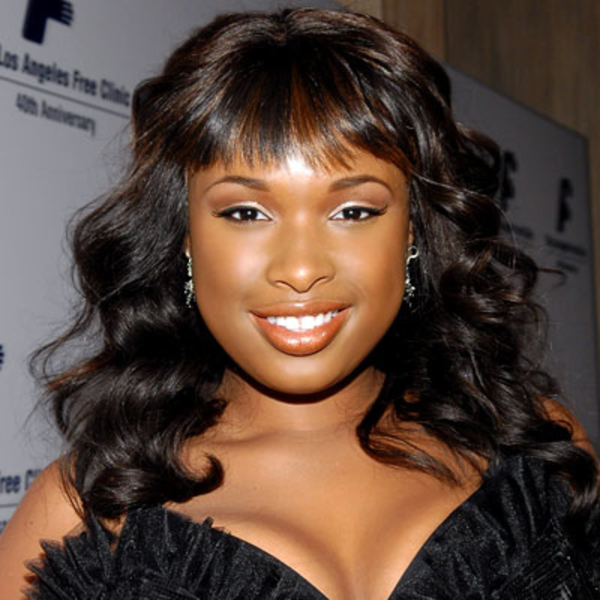 Jennifer Hudson curly medium-length hairstyle