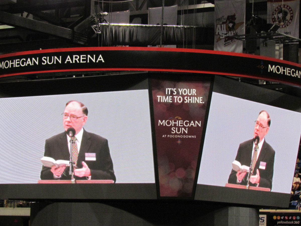 Powerful talks were given on large screens, during this Bible based event which was held at Mohegan Sun Arena