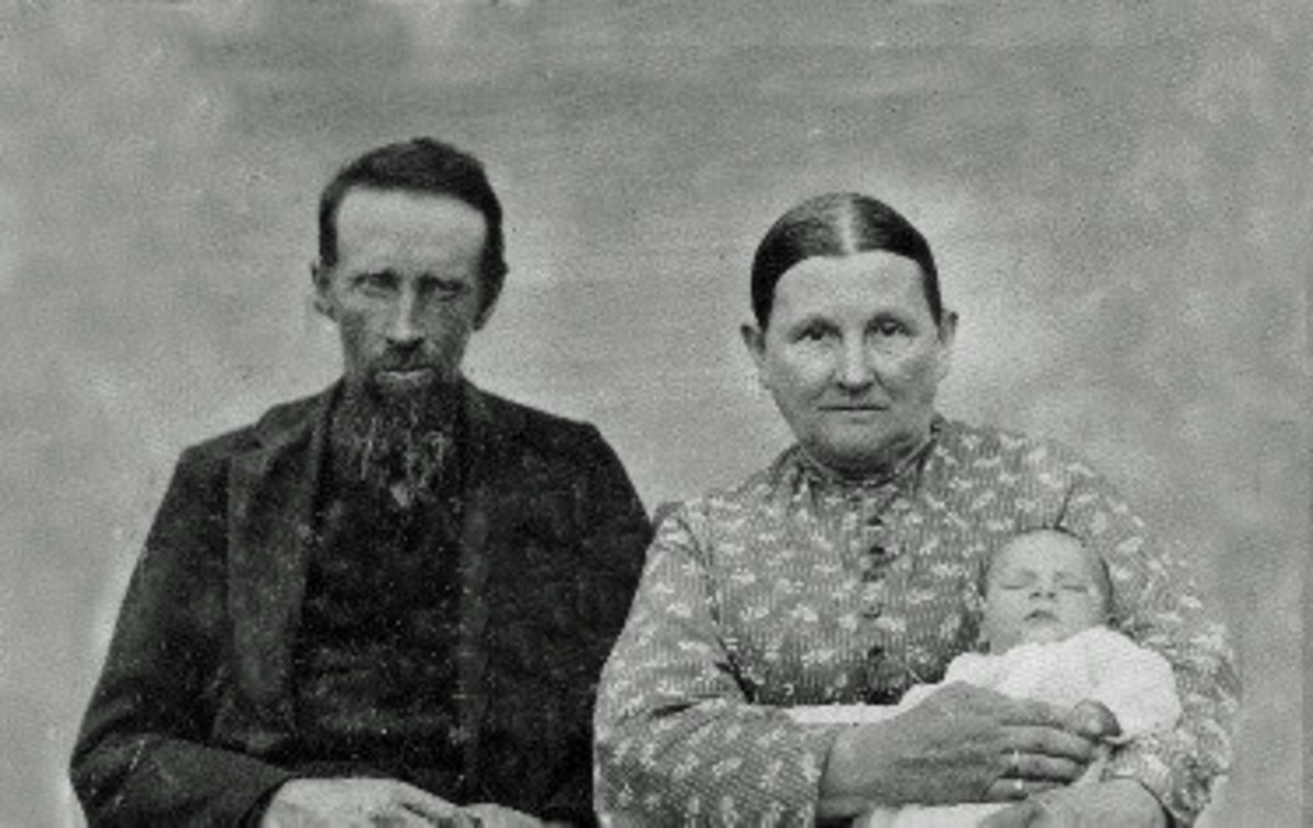 I don't have any photos of Abraham before the war to compare his appearance. This photo is undated so how soon was it after his release from Andersonville? The family story is that the child shown is a grandchild. For more about that, check below.