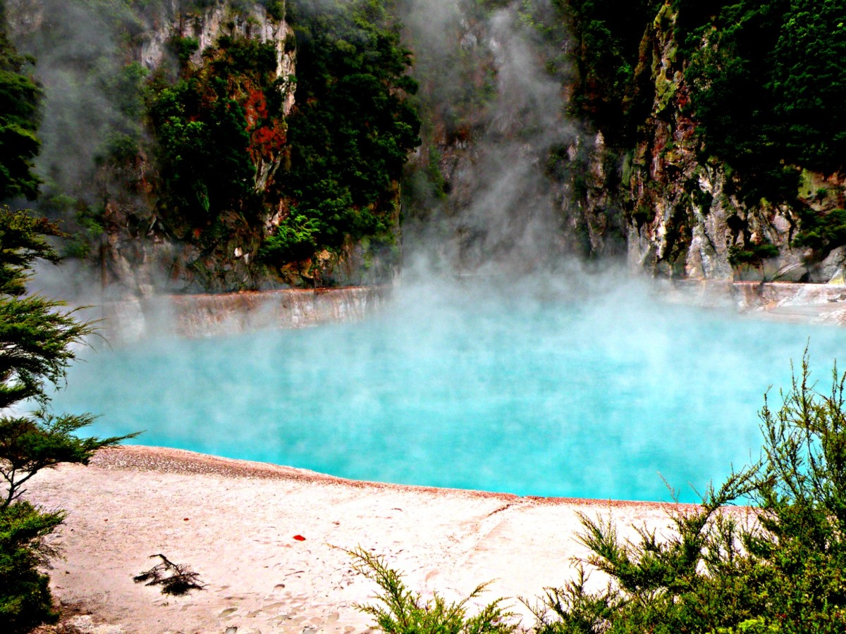 Thermal lake outside of Rotorua