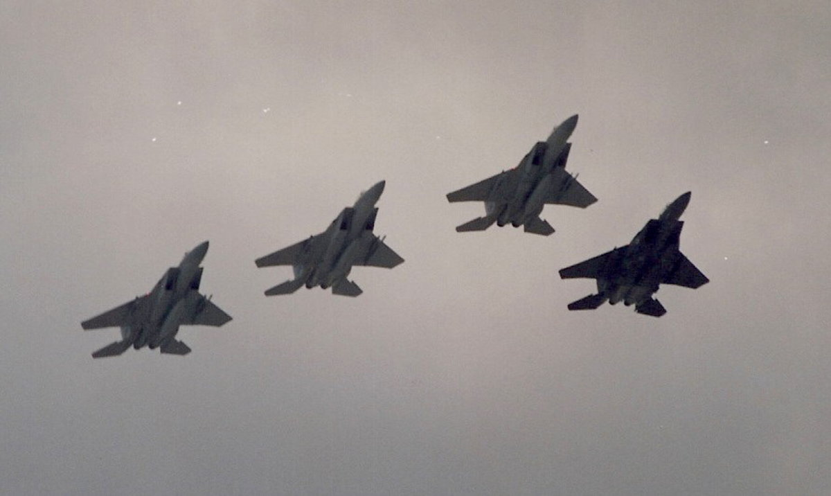 A flight of F-15s over the Washington Mall, June 199.