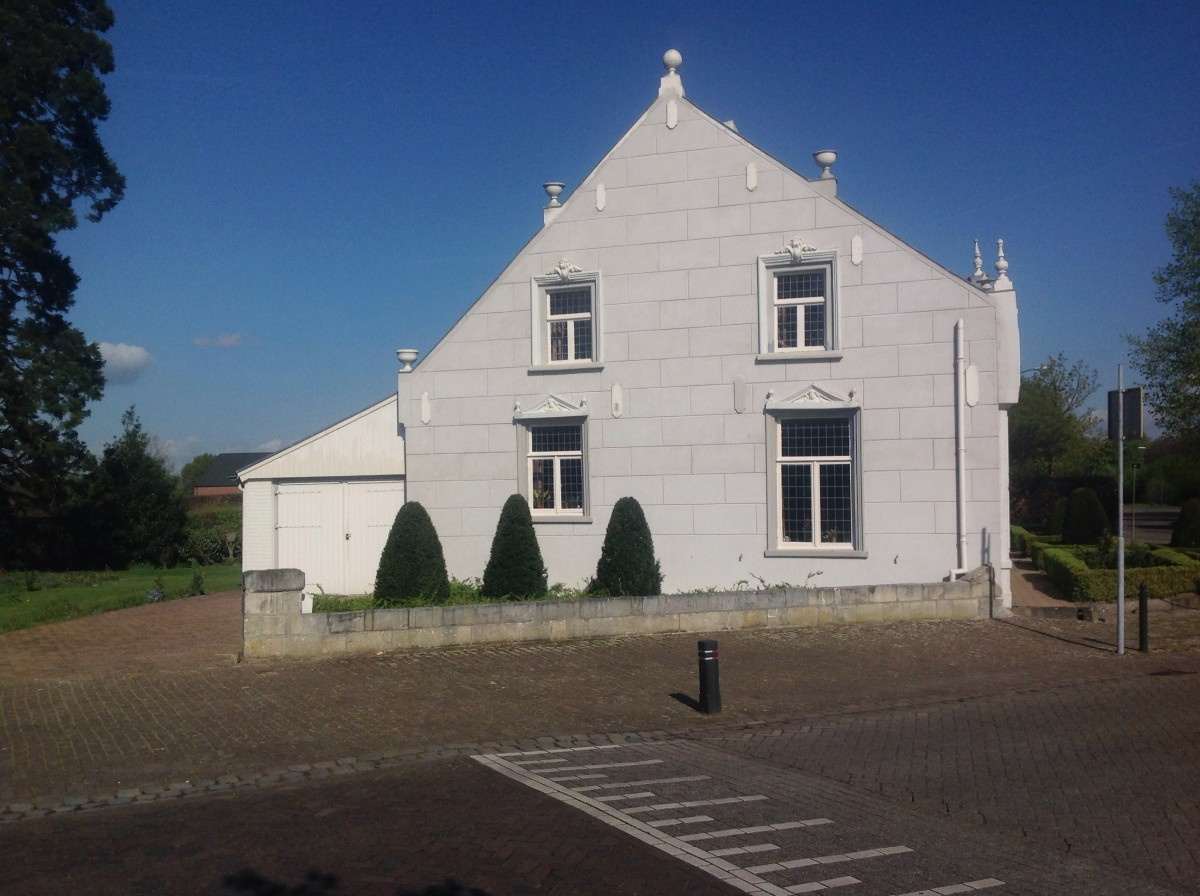 Traditional Farm House: Small Dutch Country Village