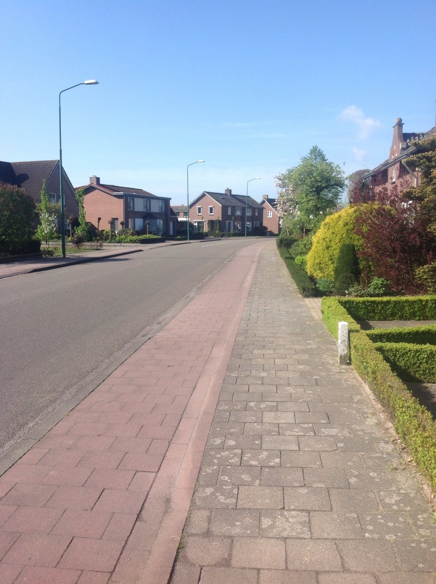 Street: Small Dutch Country Village
