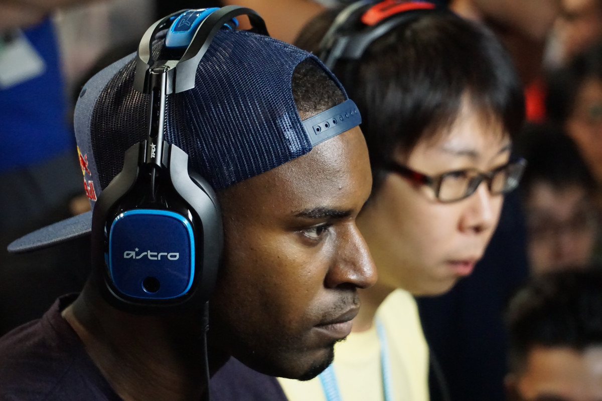 Two players focus on making it to the next round of the tournament at Evo 2016.