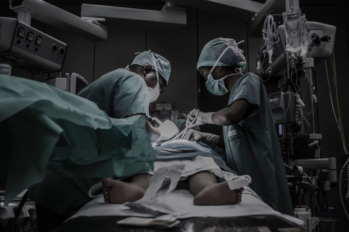 Licensed Surgeons Doing Surgery (Photo by Piron Guillaume)