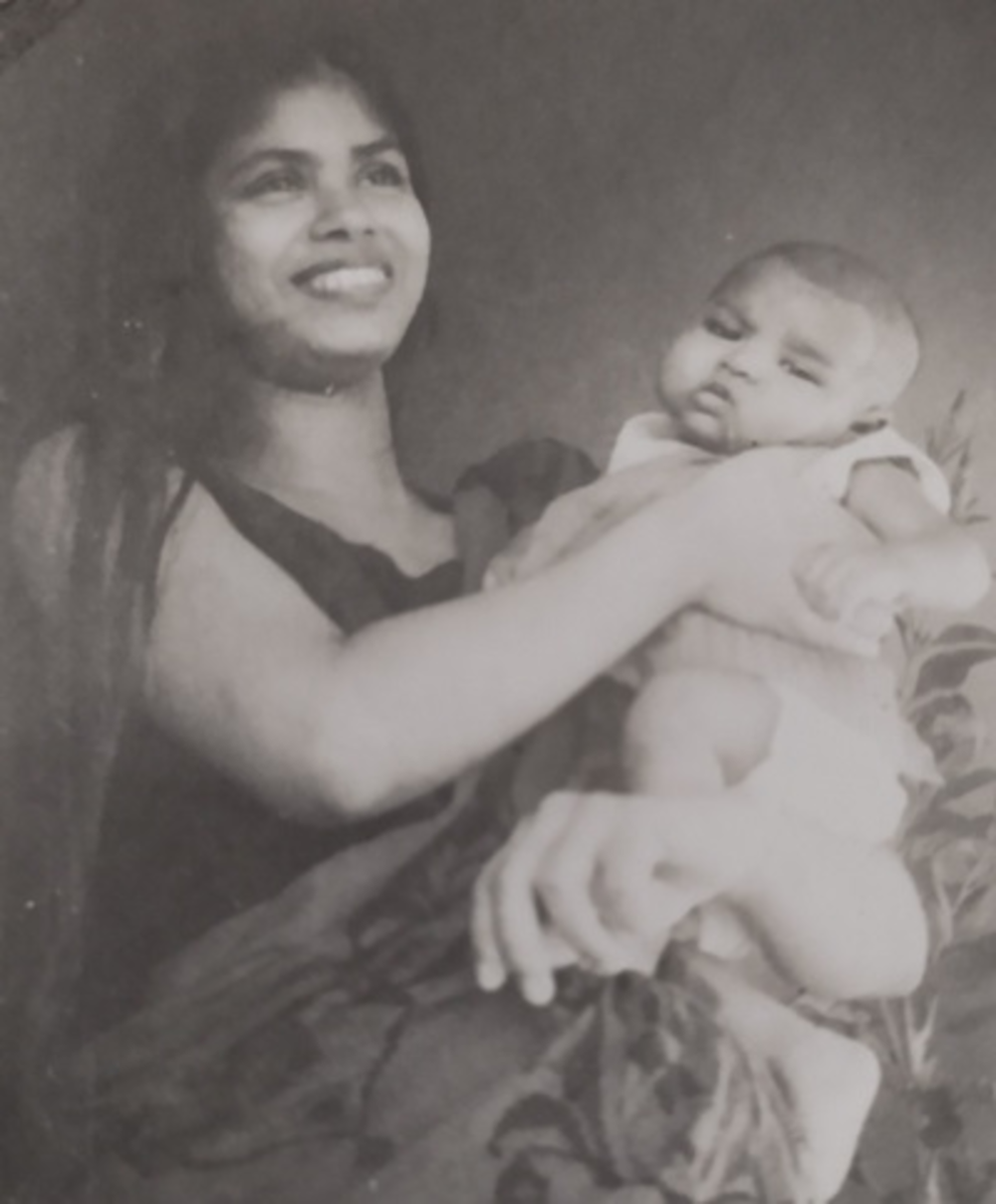 Pic1: Mom Carrying Me, Her Firstborn