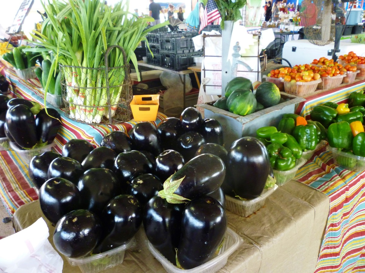 Enormous Farmer's Market in Sugar Land, Texas