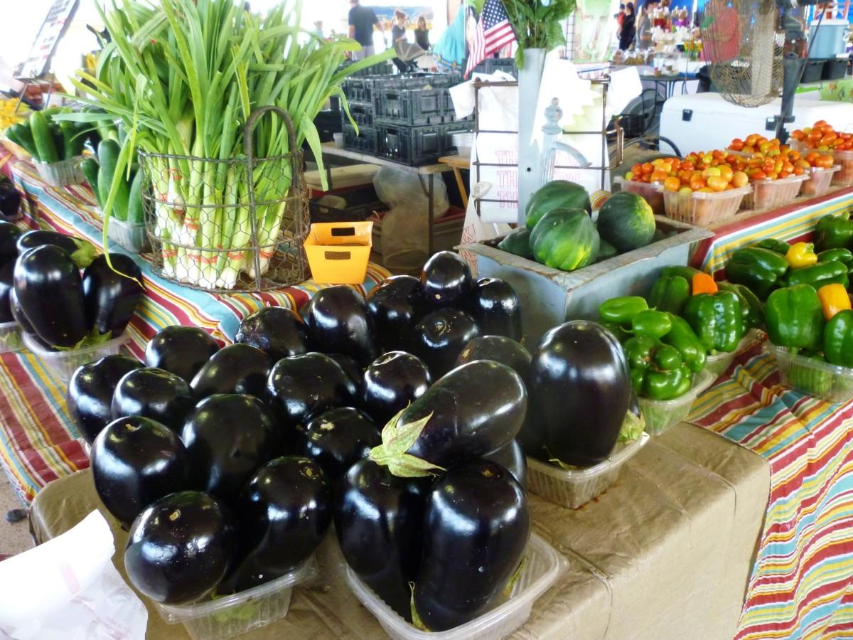 Enormous Farmer's Market in Sugar Land, Texas