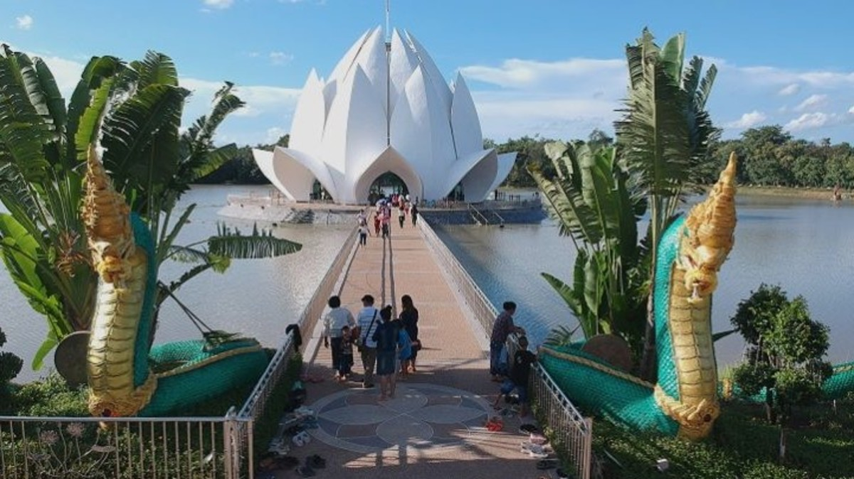 The Lotus Temple, an Architectural and Engineering Feat