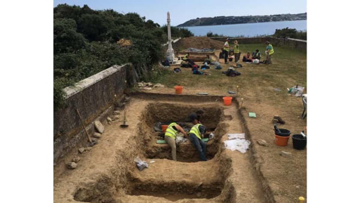 Spike Island Graveyard