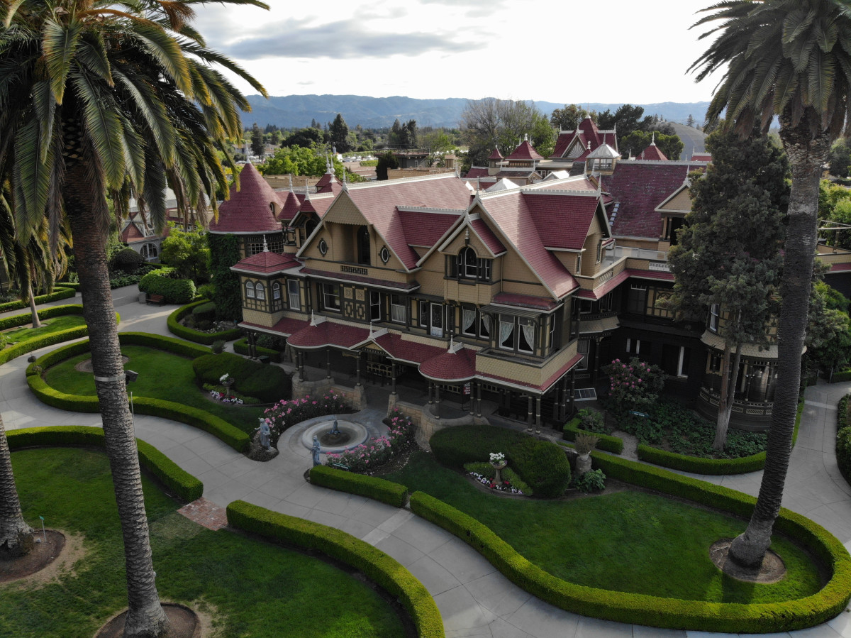 The Winchester Mystery House: A Starcrossed Mega Mansion