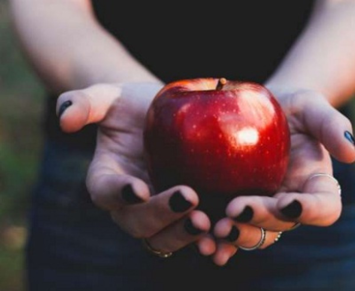 benefits-of-apple-11-outstanding-health-benefits-of-eating-an-apple-daily