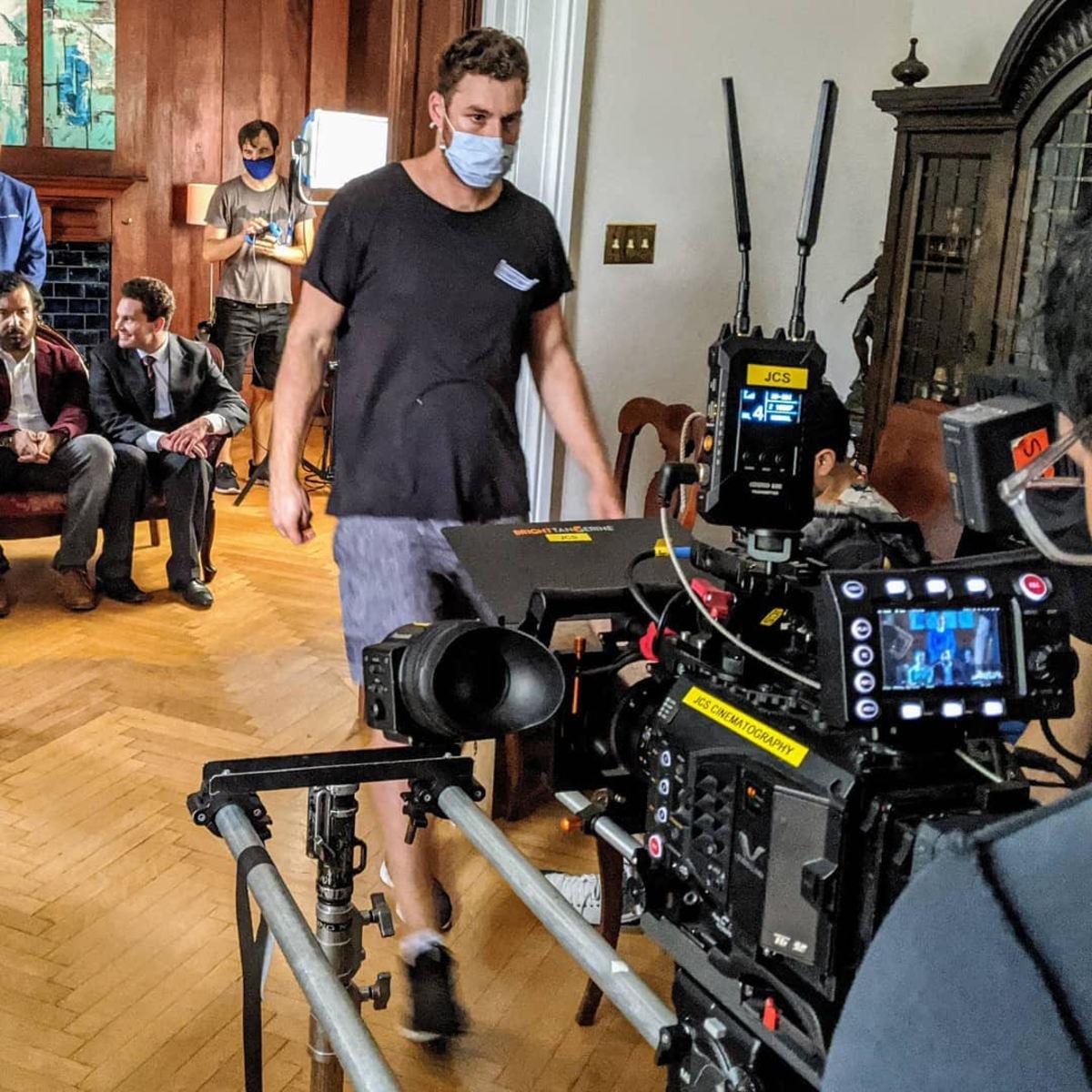 On set with Kim Shapiro - Photographer: Scott Hansen