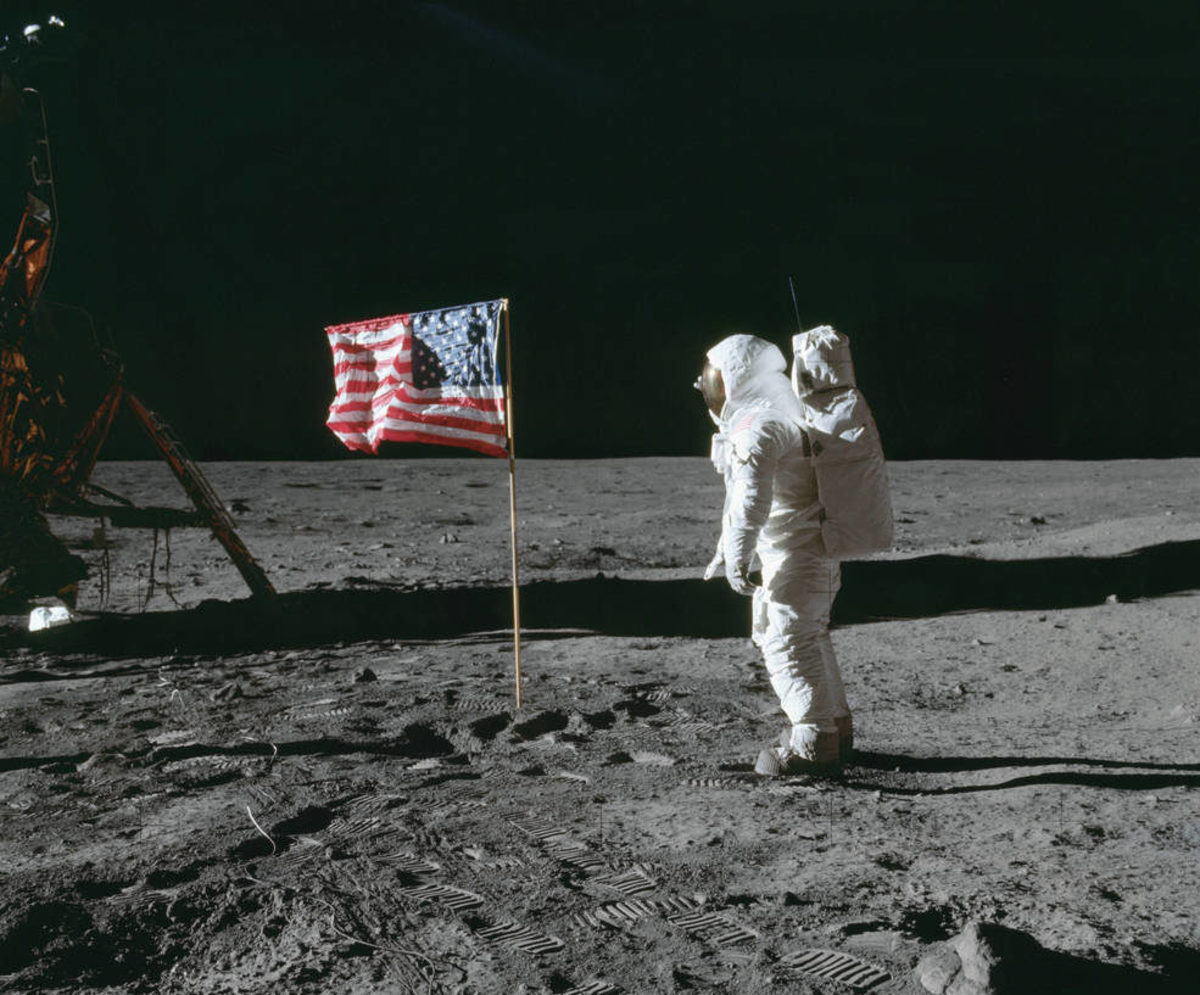 """Artgrid official """"Landing on the Moon"""" commercial produced by Kim Shapiro."""