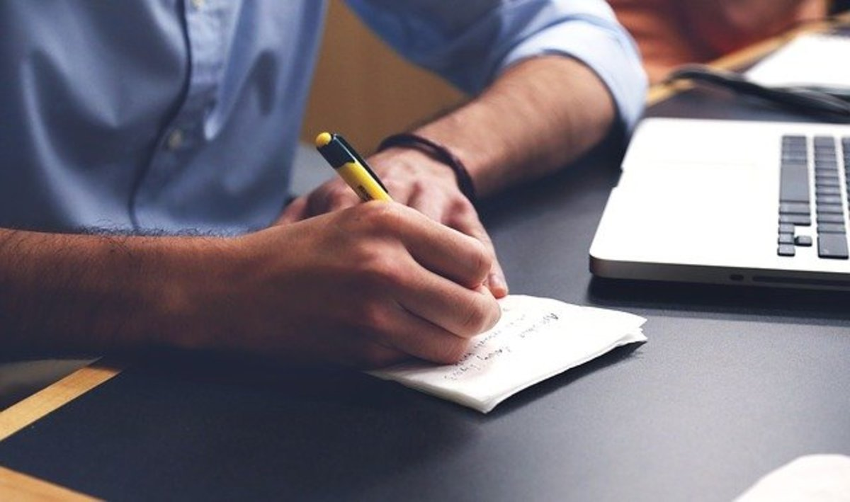 Writing in English for Non-Native Speakers (5 Tips)