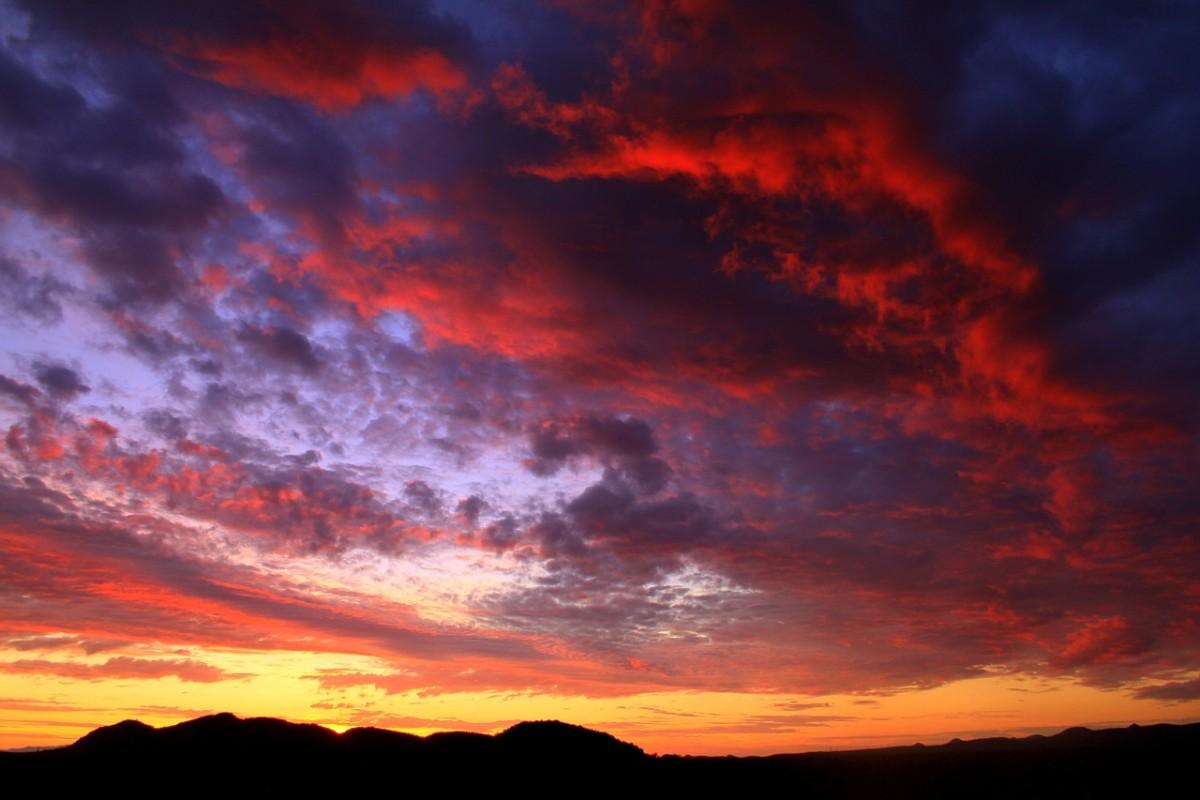 Arizona Sunset: Image by Gene Taylor from Pixabay