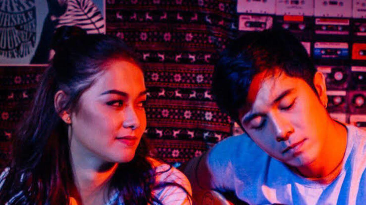 The film stars Maja Salvador and Paulo Avelino.