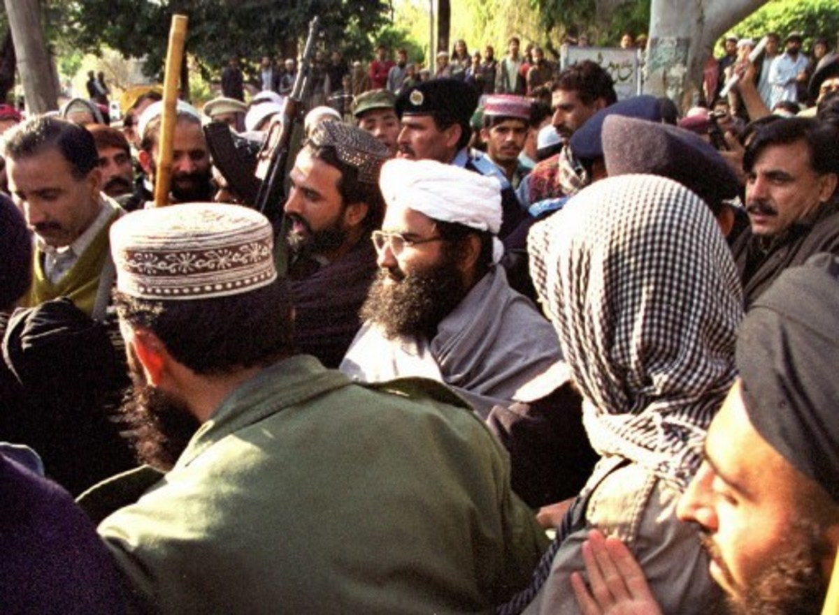 Maulana Masood Azhar(C) spotted at a mosque in Islamabad, Pakistan along with his guards (January 27, 2000)