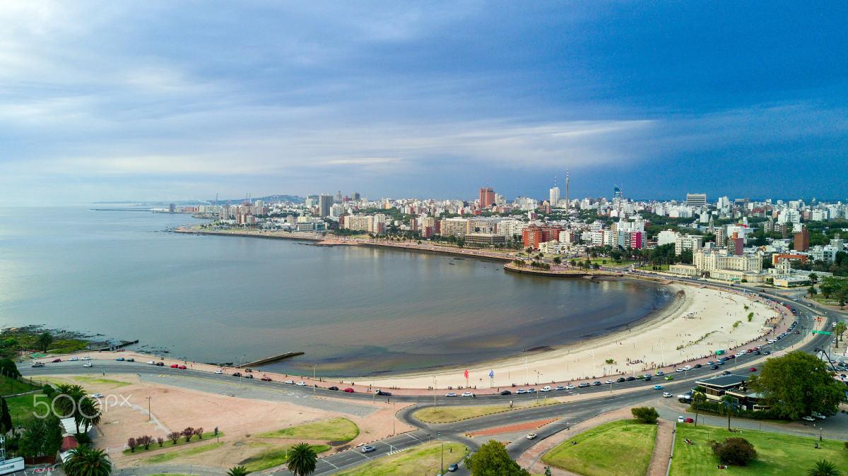 Ramírez Beach, located on the River Plate, at Rambla Presidente Wilson, Barrio Parque Rodó, Montevideo, Uruguay