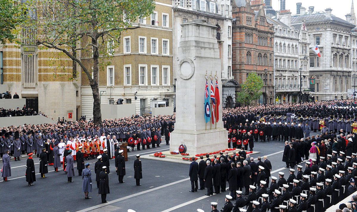 Memorial for the First and Second World Wars Photo: Sgt Dan Harmer, RLC/MOD, via Wikimedia Commons