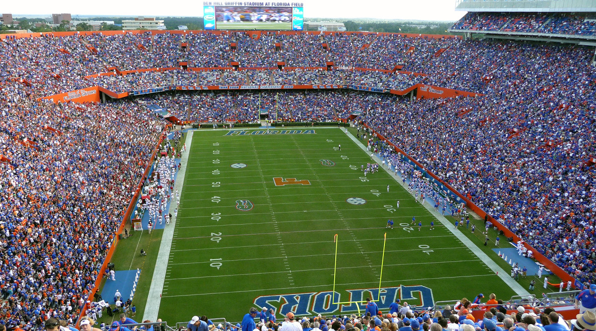 top-10-college-football-stadiums