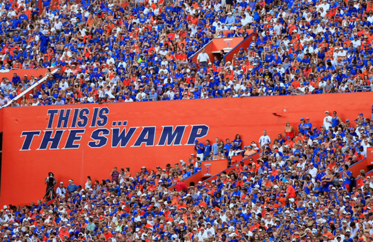 top-10-college-football-stadiums