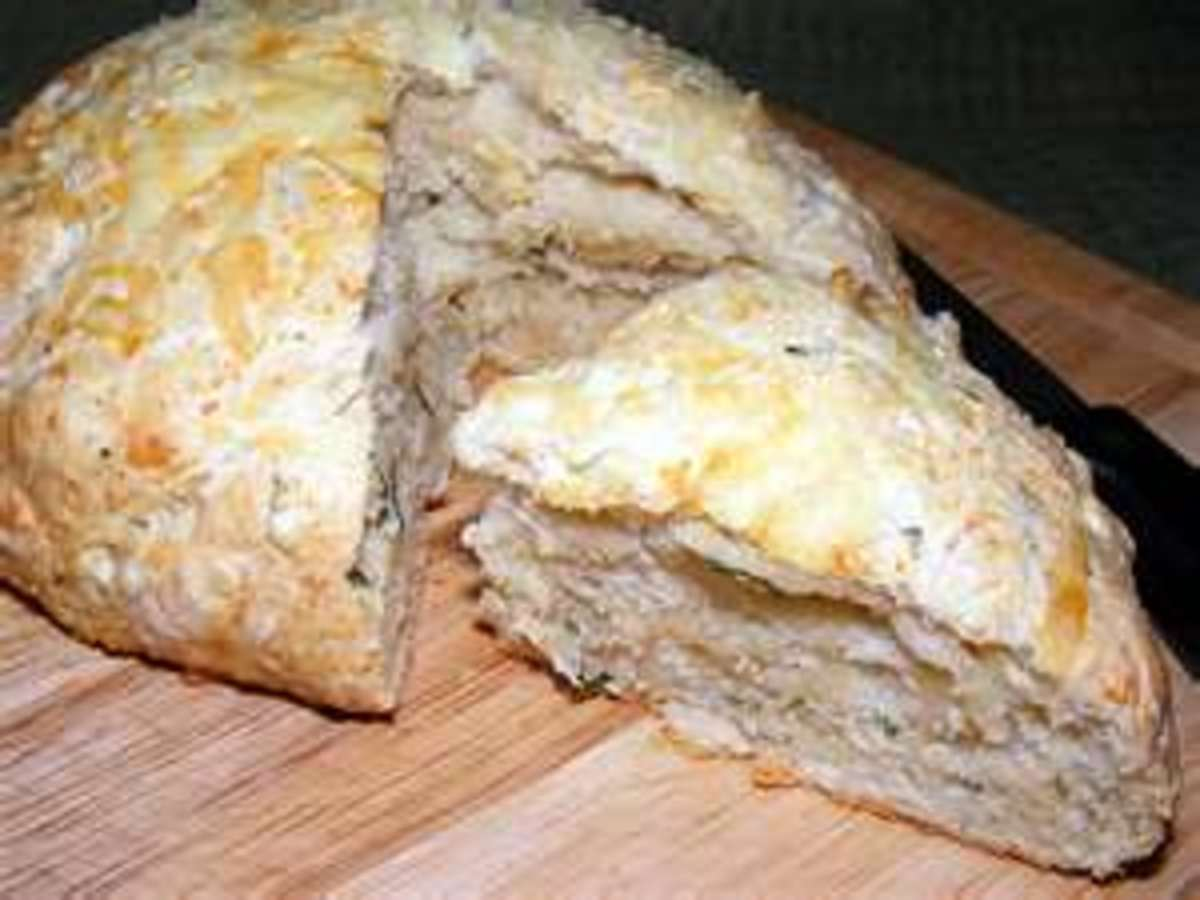 Australian Cheese, Garlic and Chive Damper