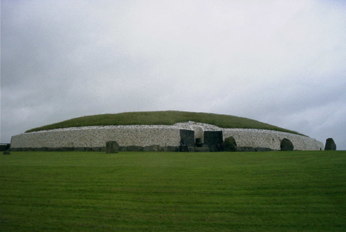 In Lebor Gabála Érenn, the Tuatha Dé Danann are closely associated with the ancient passage graves of Brú na Bóinne such as Newgrange