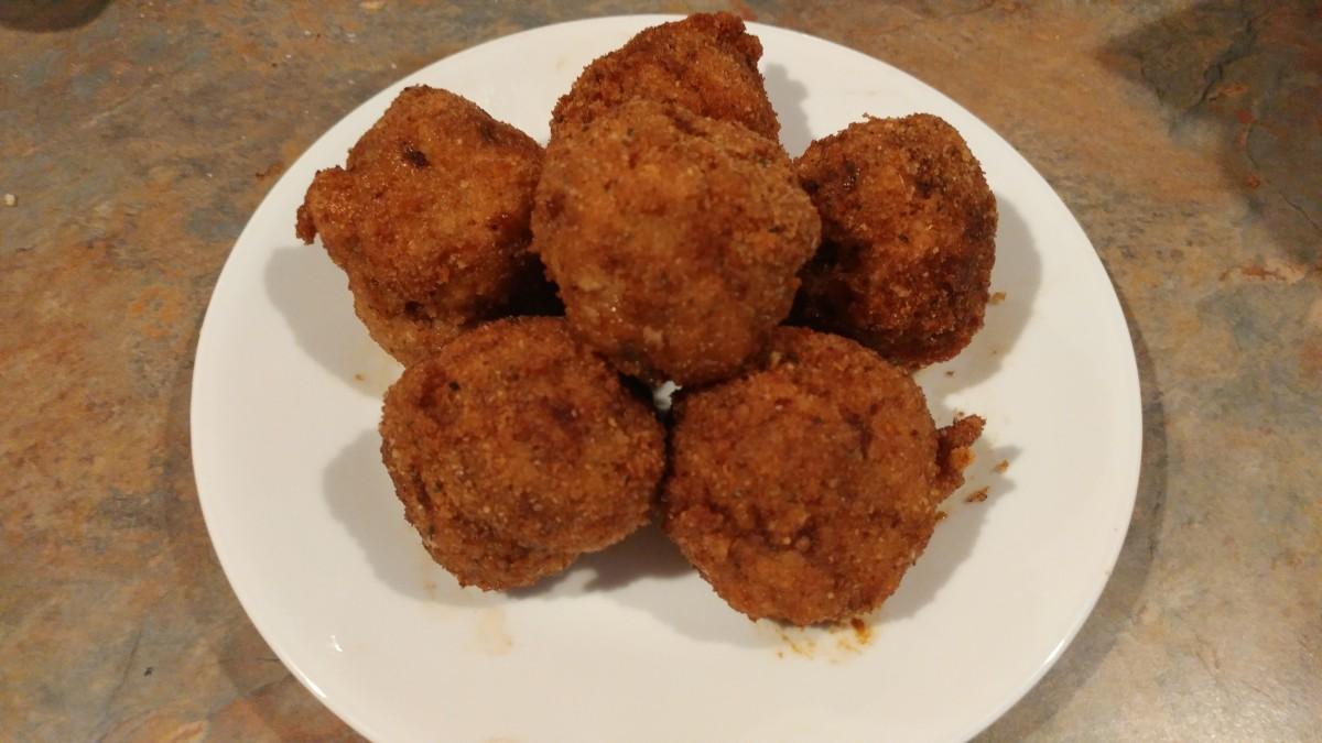 Fried turkey meatballs: they look so crunchy!