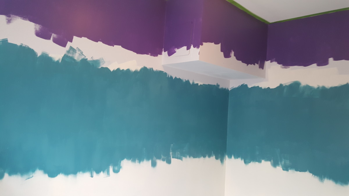 How to paint a tropical ombre wall dengarden yourself crazy just eyeball it then a second stripe of the mid range color about twice as wide as the dark color the creamy white came up from the solutioingenieria Images