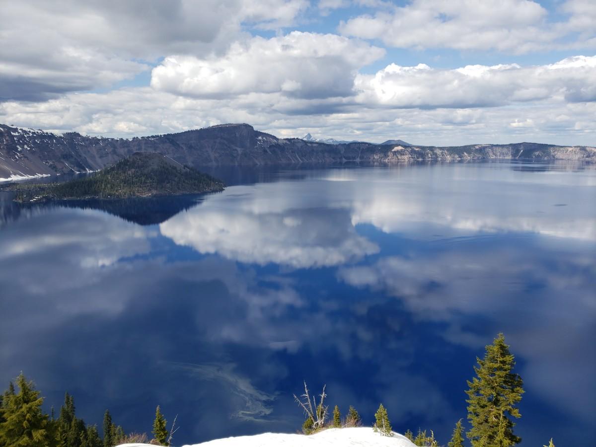 Crater Lake National Park in Oregon