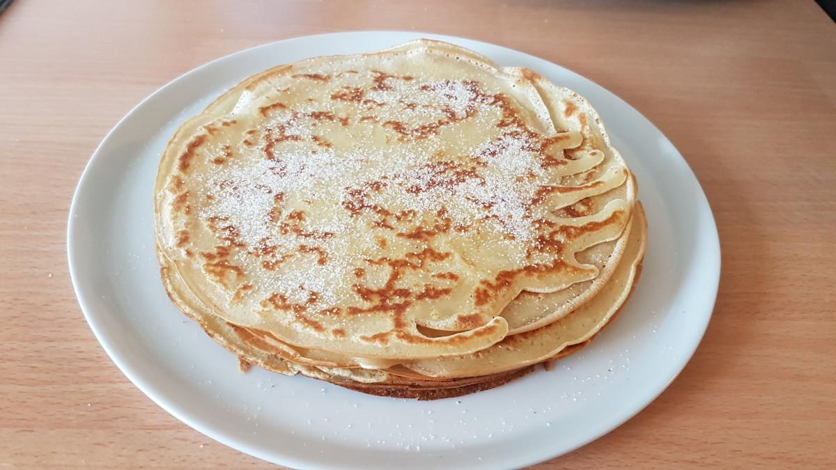 Icelandic pancakes with sugar, pilled up.