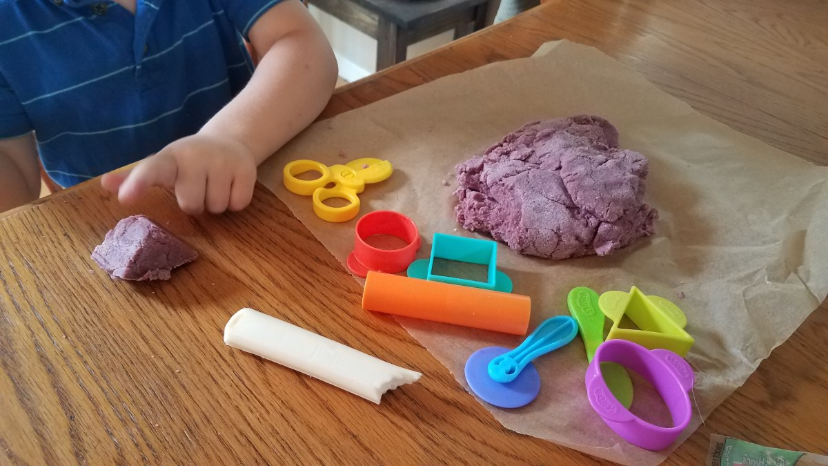 Quick and Easy Homemade Playdough Using Healthy Ingredients