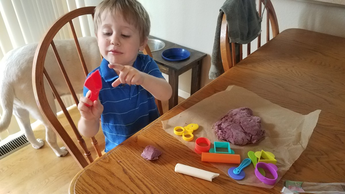 quick-and-easy-homemade-playdoh-using-healthy-ingredients