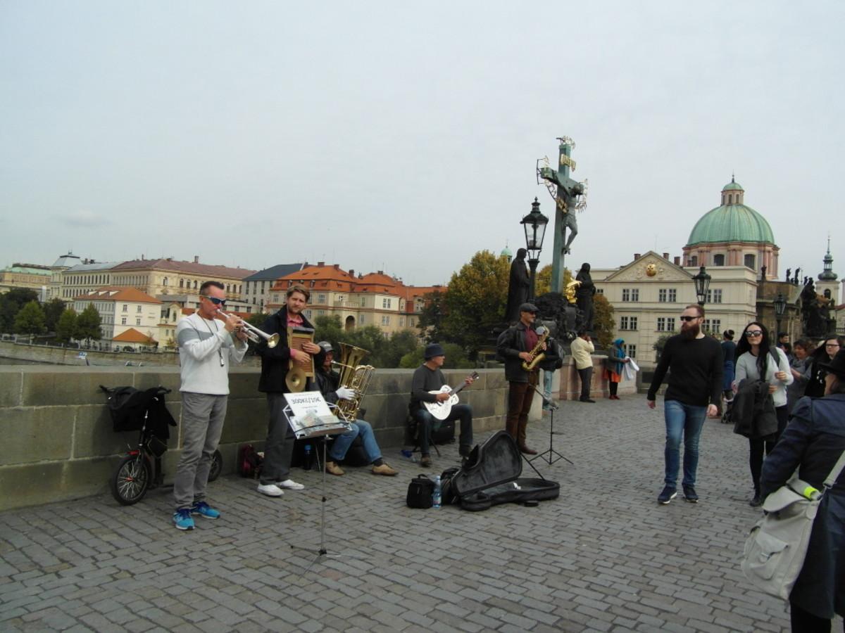 Musicians on Charles Bridge.
