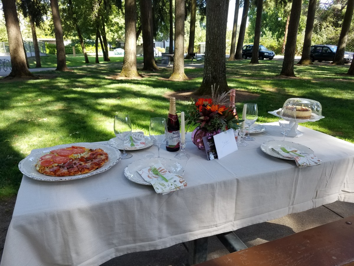 Choose an outdoor party venue that is suitable for the number of people you wish to invite.