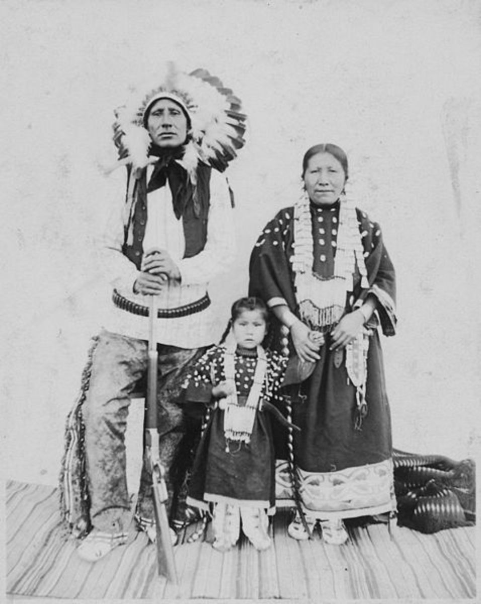 Little Chief, his wife Minnie, and son