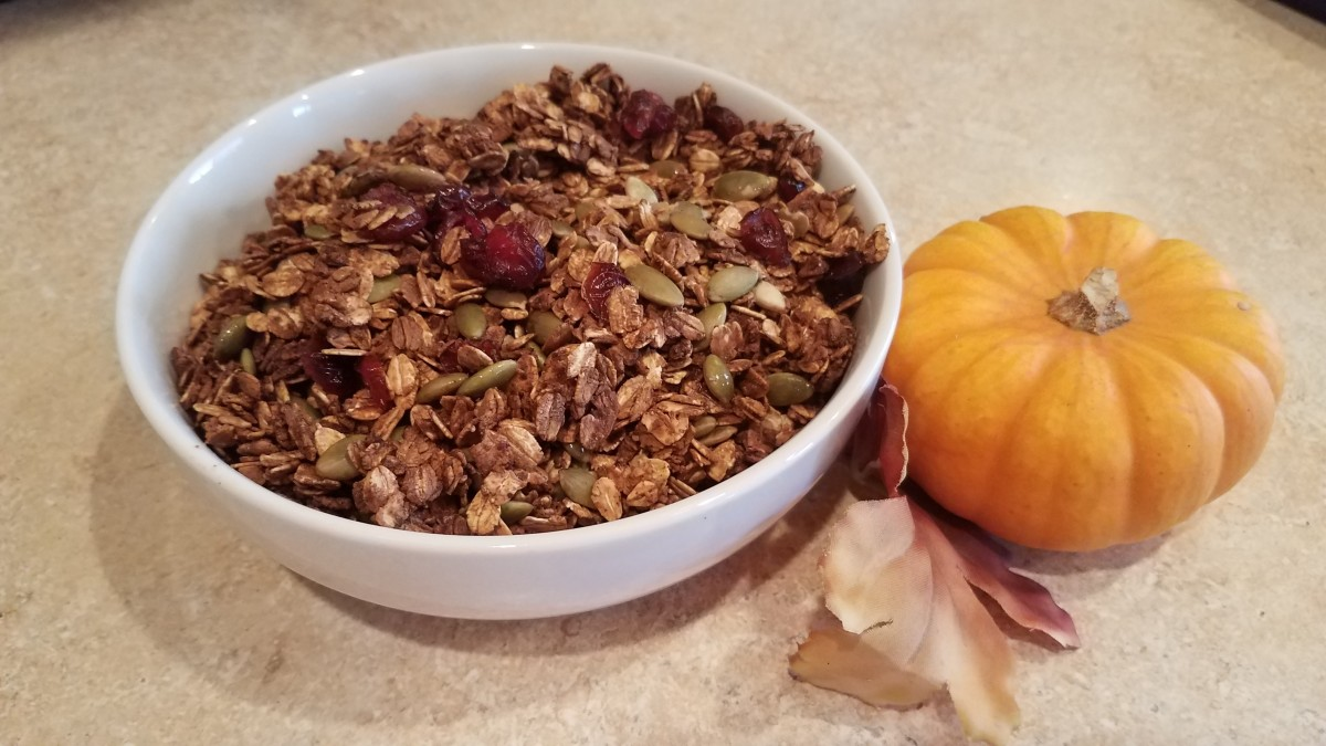 Homemade Pumpkin Spice Granola for the Fall