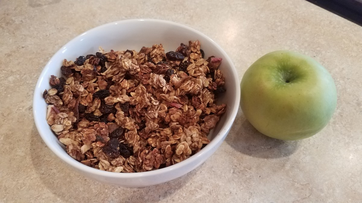 Homemade Apple Cinnamon Granola