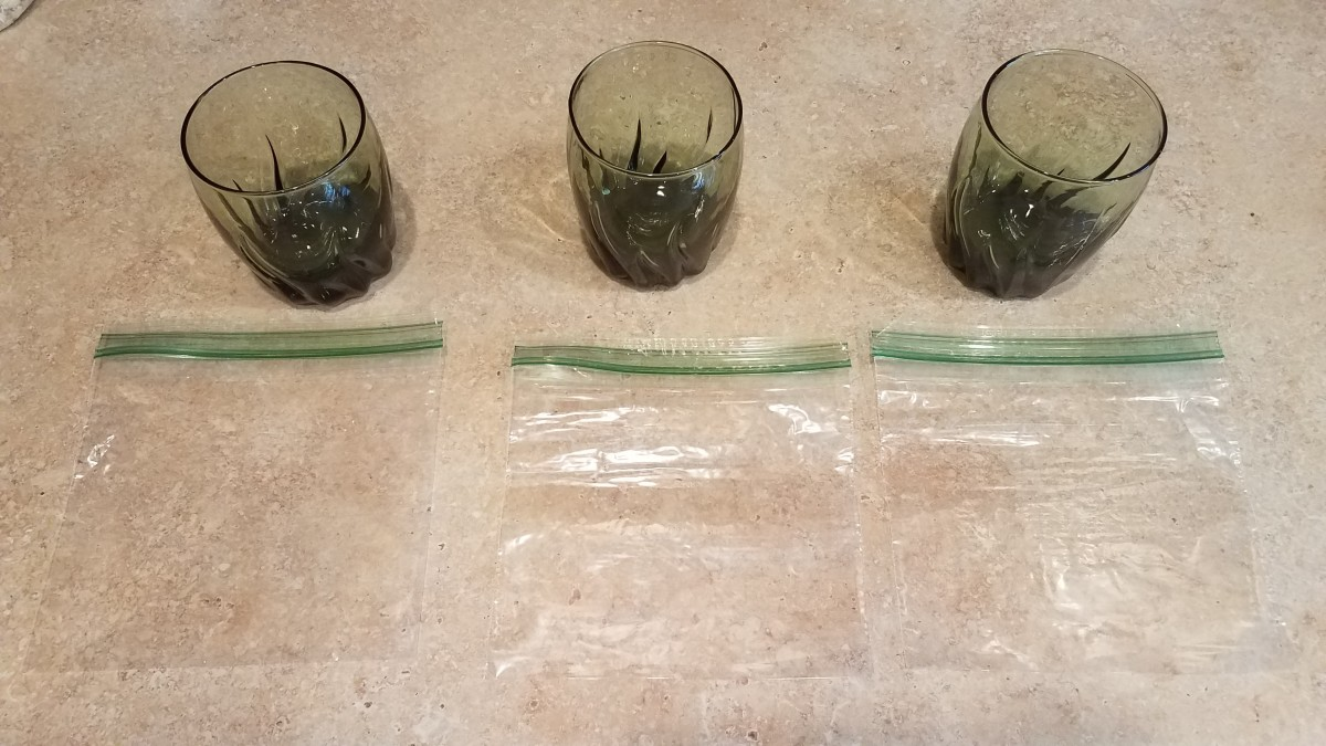 I started by laying out three small glasses and one sandwich bag per galass.