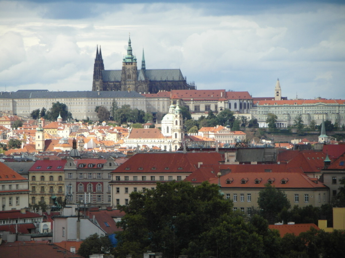 Zooming in on Prague Castle.