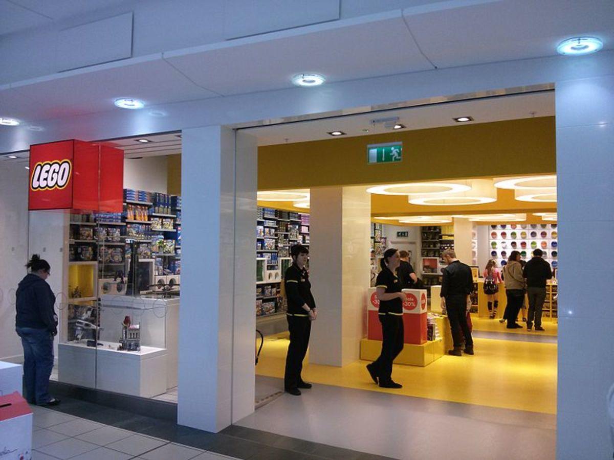 LEGO Store in Glasgow (CC-BY 3.0)