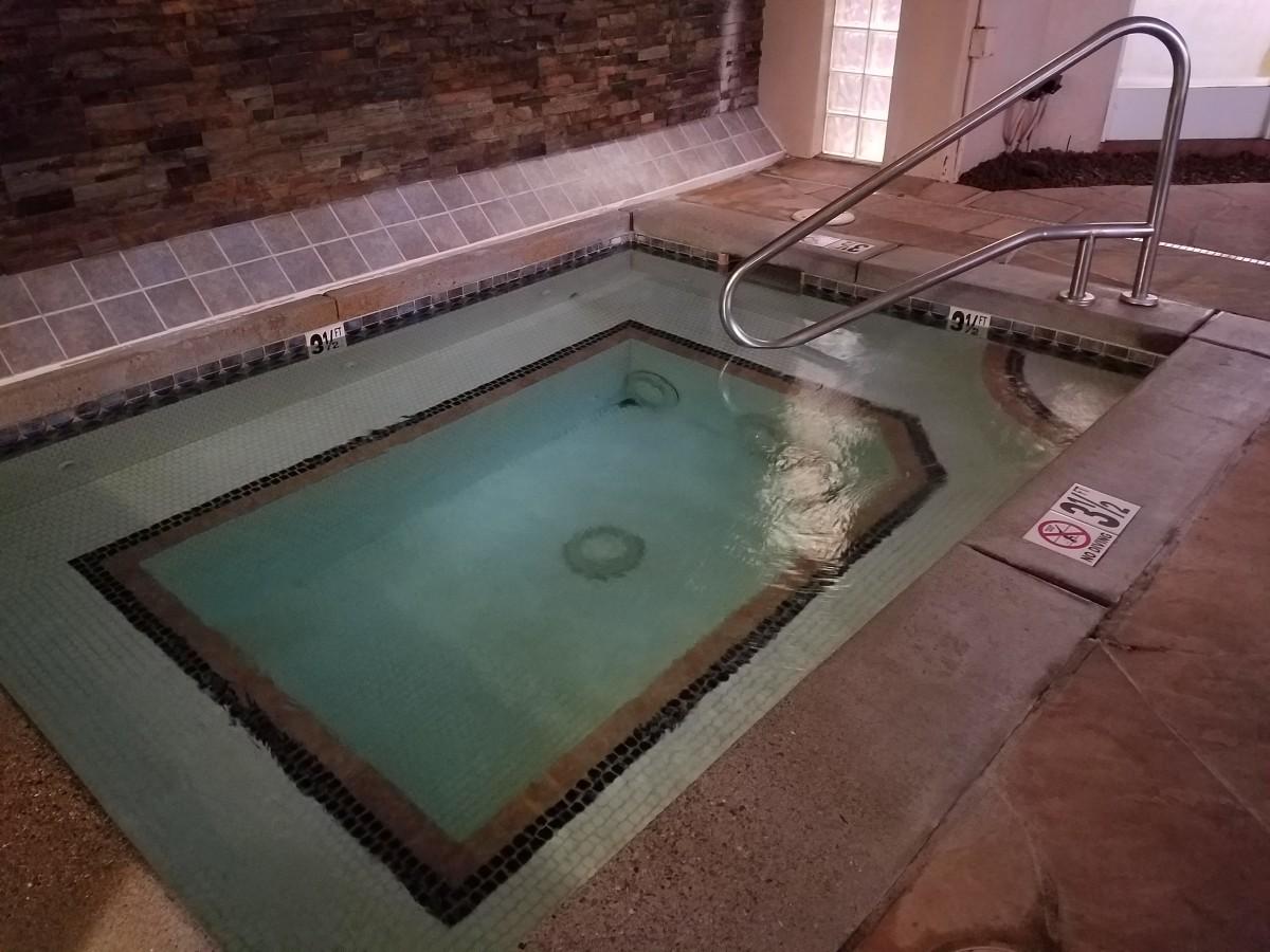 Grand Canyon Railway Hotel hot tub.