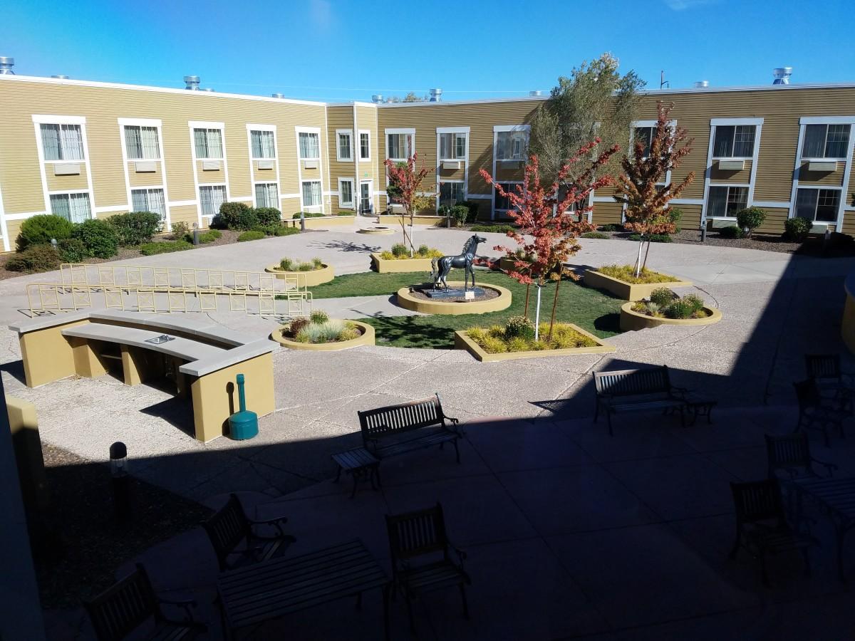 Grand Canyon Railway Hotel courtyard view.