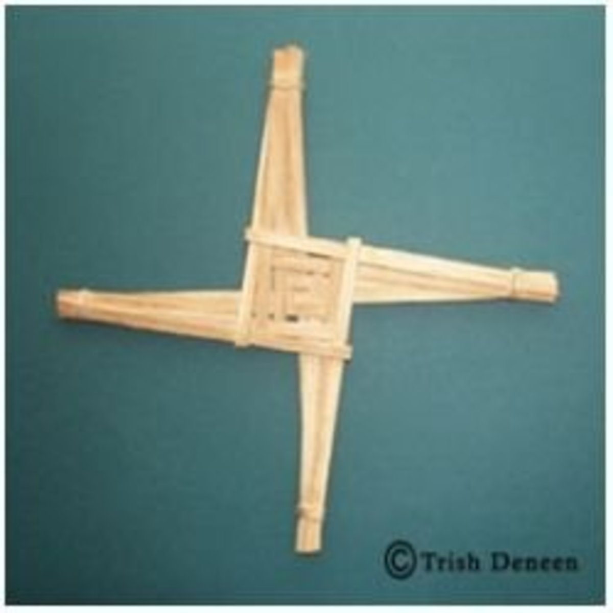 How to Make a Brigid's Cross
