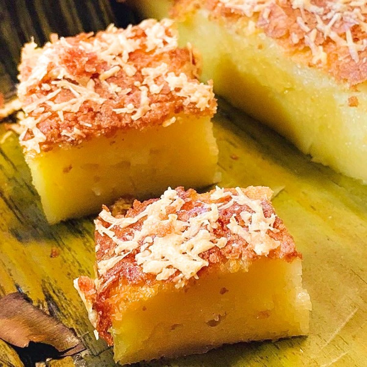 Filipino-Style Cake (Bibingka)