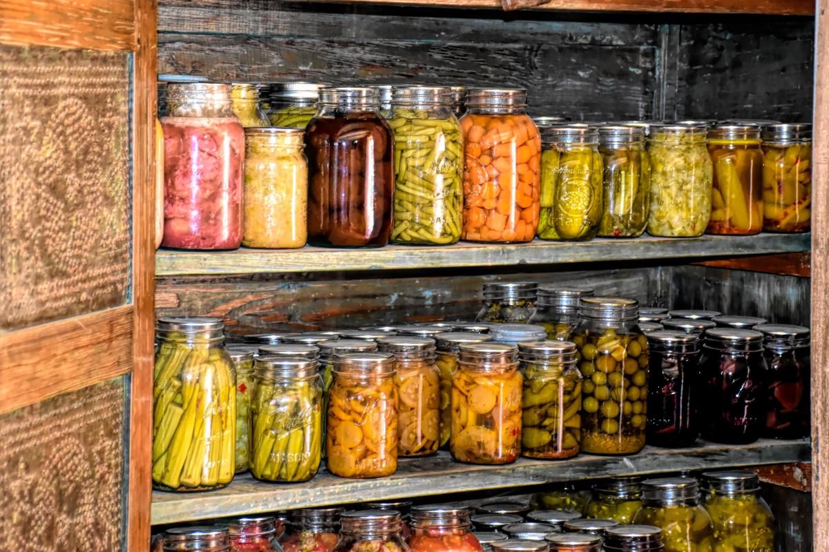Root cellar pantry