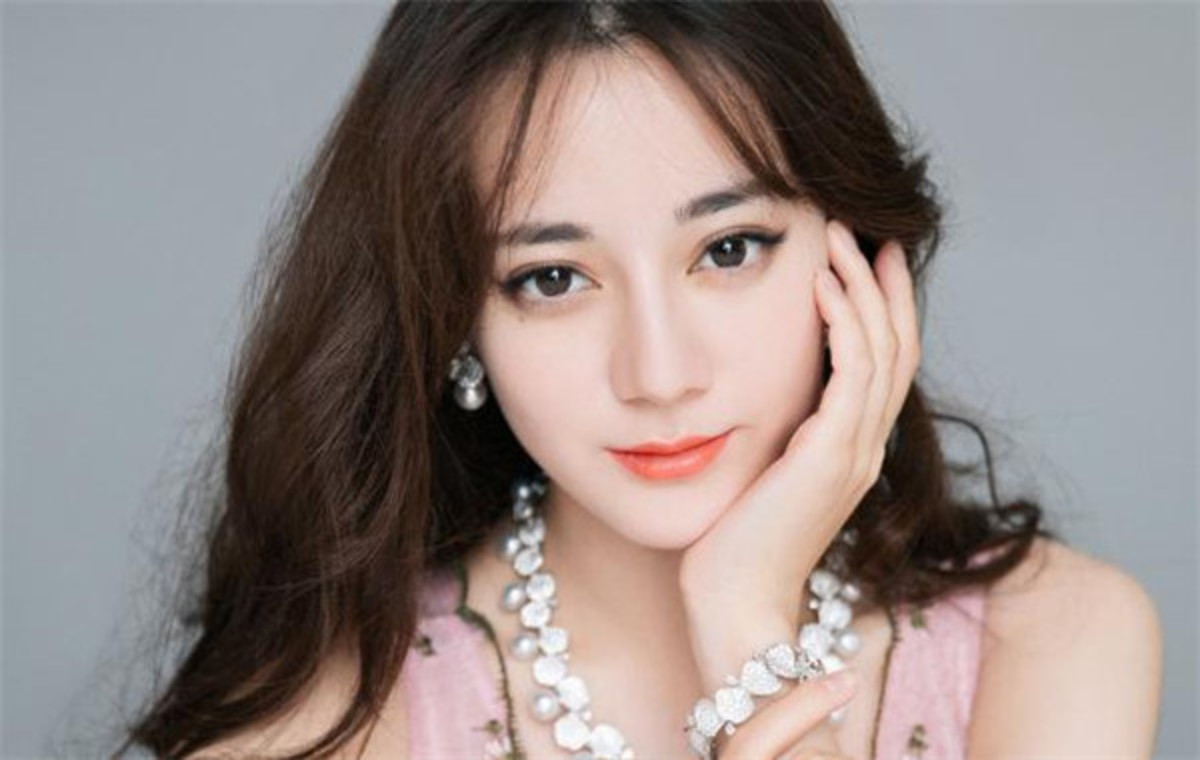 Top 10 Most Beautiful and Richest Chinese Actresses